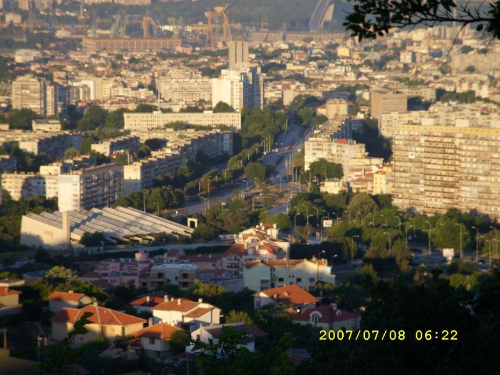 Варна, обляна в светлина 2