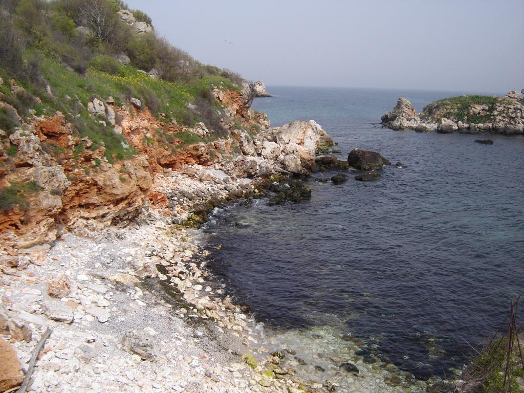 Там, където водата среща скалата...