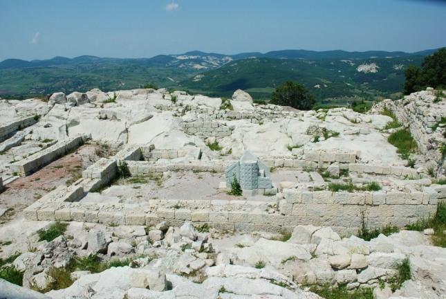 Перперикон и Храма на Орфей при Татул