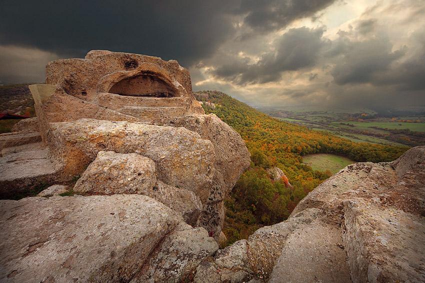 Татул, гроба на Орфей