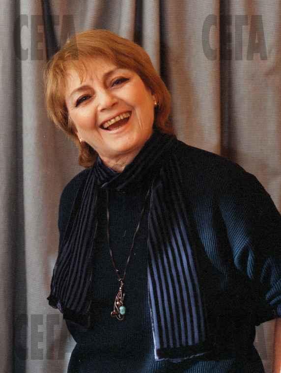 Красивата българска актриса Невена Коканова