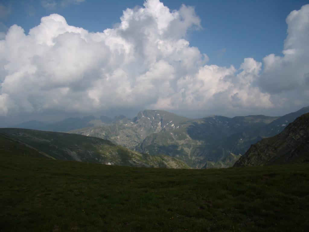 "По ""Зеления рид"" с поглед към Мальовица..."