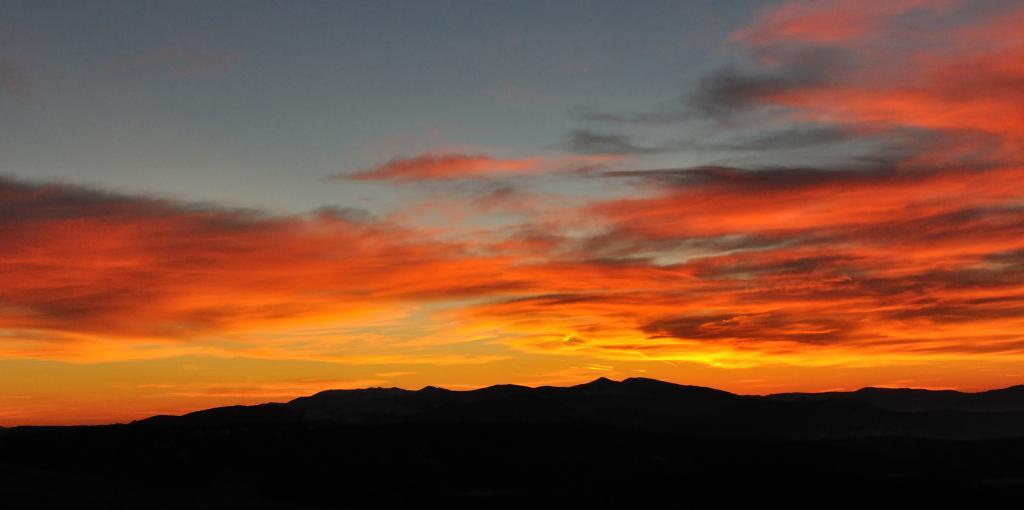 Изгрев над Стара планина