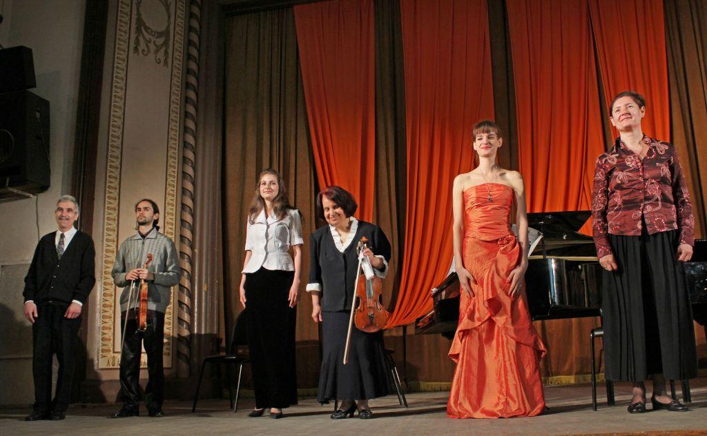 Концерт в Пловдив - оранжеви лъчи
