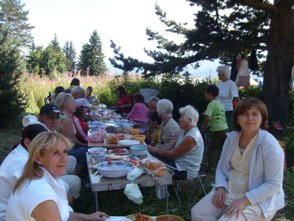 Зекирица - братски обяд в лагера - 21 август 2011 г.