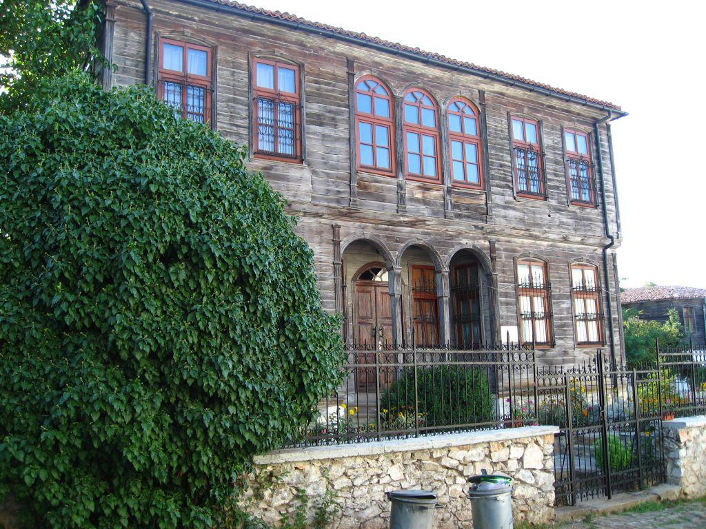 Католическа църква в Малко Търново