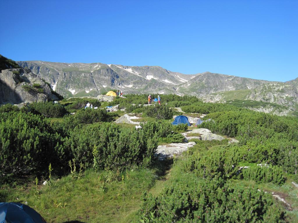 Част от палатковия лагер
